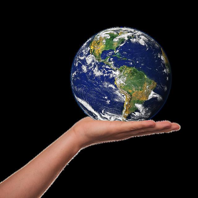 Terre tenue dans une main